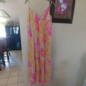 Old Navy Dresses - Old navy floral maxi dress large size..